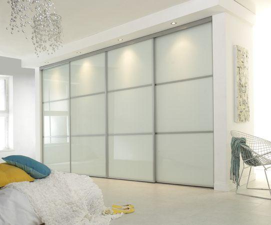 4х дверный белый шкаф купе с подсветкой крашеное стекло