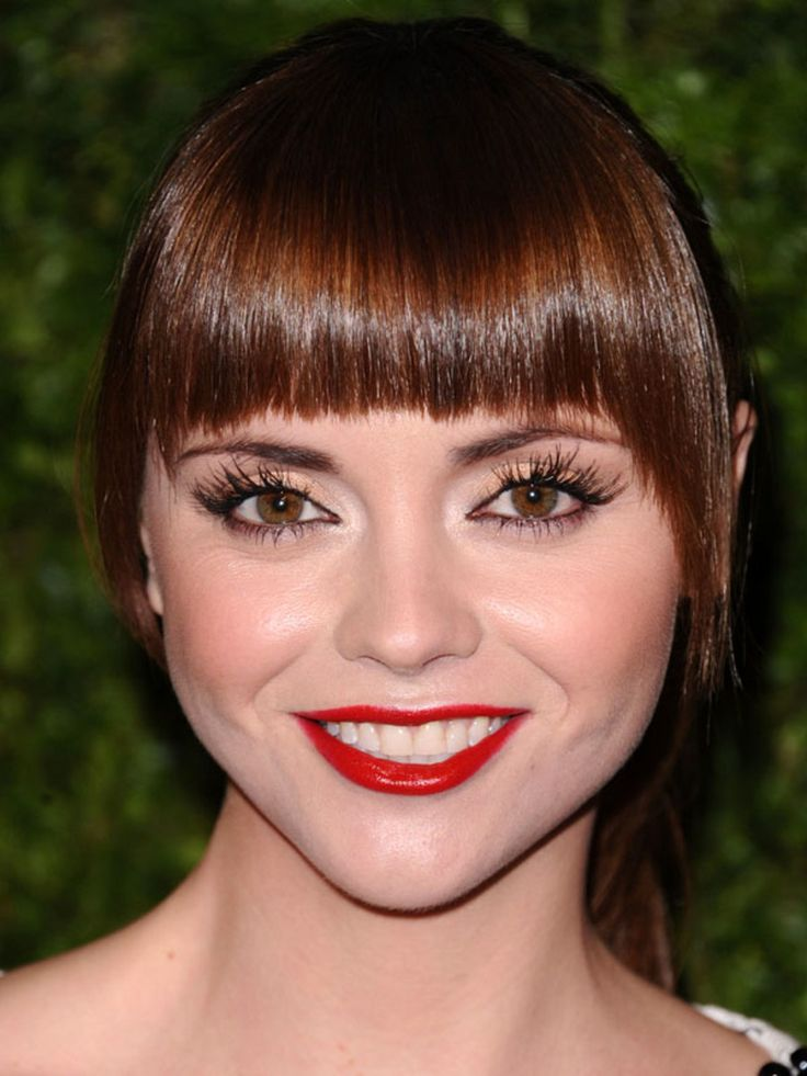 Graphic bangs with side fringe--The Best Bangs for Round Face Shapes - Beautyeditor