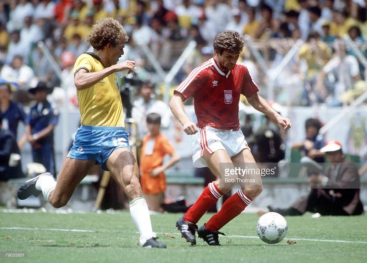 World Cup Finals, Second Phase, Guadalajara, Mexico, 16th June, 1986, Brazil 4 v Poland 0, Poland's Wlodzimierz Smolarek on the ball watched by Brazil's Alemao