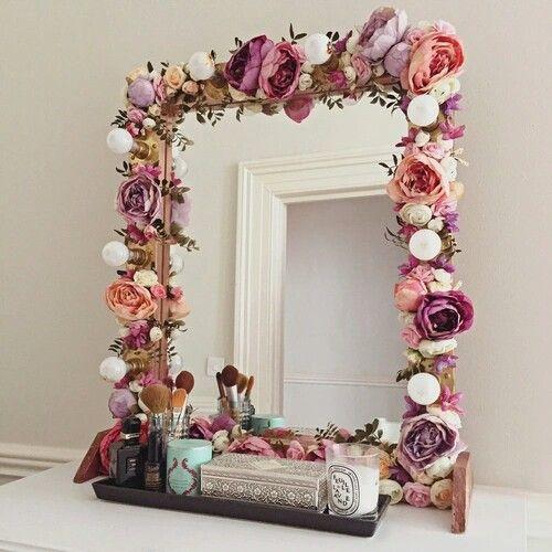 Floral vintage mirror DIY