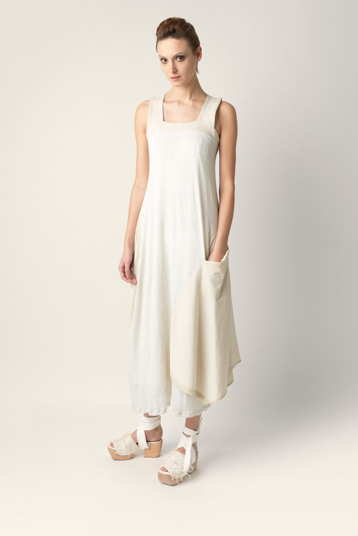 Maxi dress Malloni made of linen jersey. Loose fit, length up to the ankle. Thin straps and straight neckline.