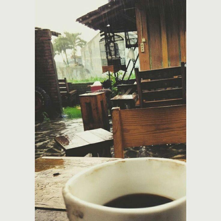 Kopi dan hujan