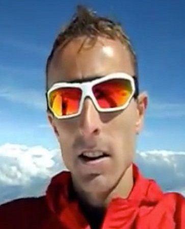 Polak wbiegł na Mont Blanc w 4 godziny. http://tvnmeteoactive.tvn24.pl/bieganie,3014/polak-wbiegl-na-mont-blanc-w-4-godziny,175726,0.html