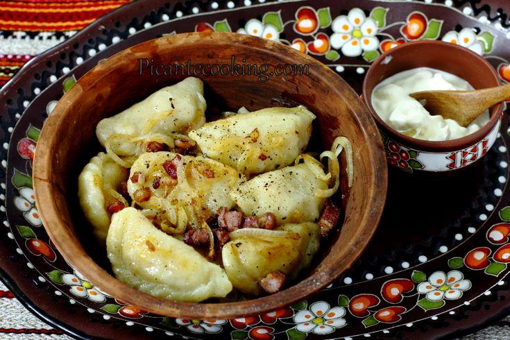 Pierogi z ziemniakami i kiszoną kapustą