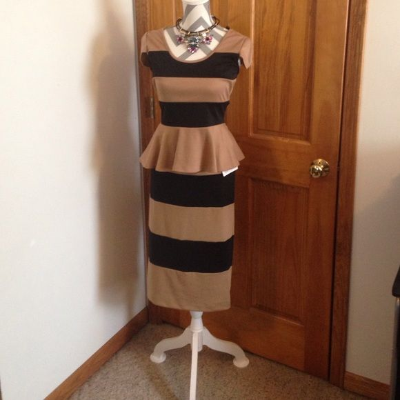 GREAT WORK SPECIAL OCCASION OUTFIT TOP AND SKIRT NEVER WORN ZIP IN BACK STRETCH Material Other