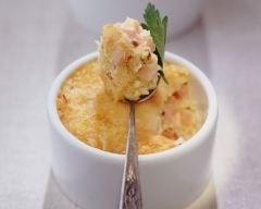 Oeufs brouillés au fromage et au jambon : http://www.cuisineaz.com/recettes/oeufs-brouilles-au-fromage-et-au-jambon-65752.aspx