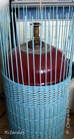 Мастер-класс Поделка изделие Плетение Одежда для бытового газового баллона + МК Бумага газетная Трубочки бумажные фото 43