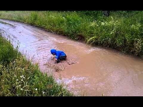 Непромокаемая одежда ТИМ - отличный выбор для любящих и заботящихся родителей. Она великолепно защищает одежду ребенка от грязи и влаги. Незаменима на прогулке не только дождливой осенью и весной, но также и летом. http://timkid.ru/