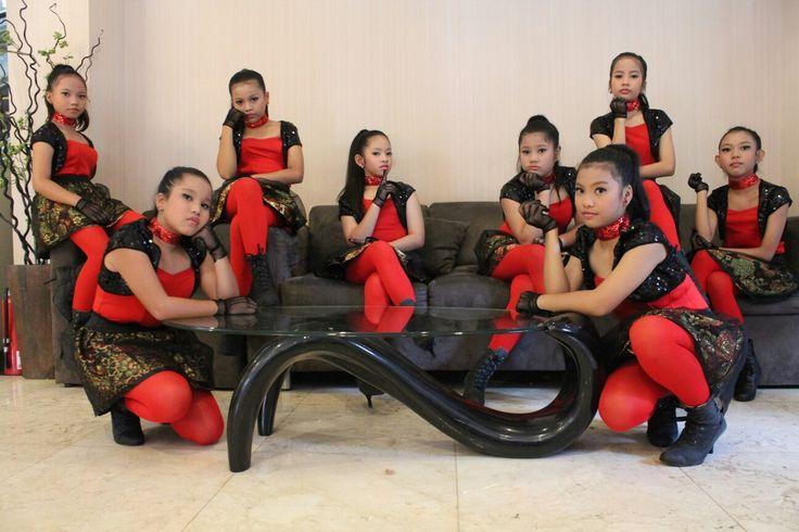Show modern dance