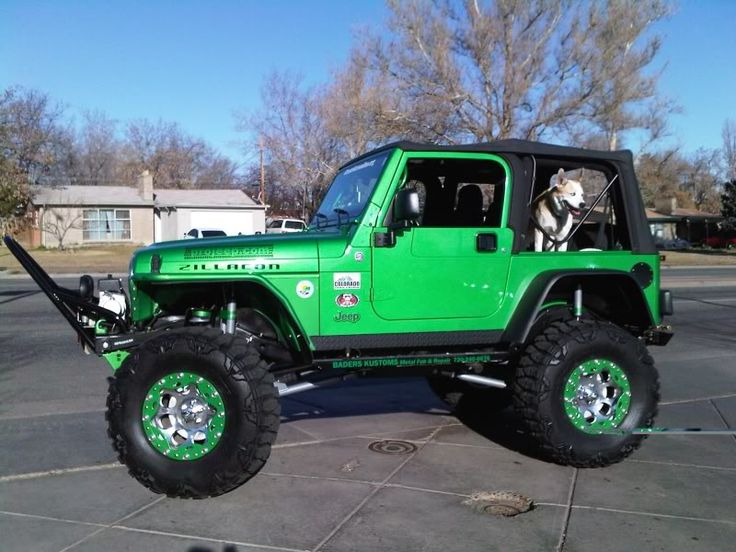 lime green jeep - 736×552