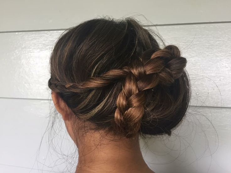 Sweet bridal hairstyle