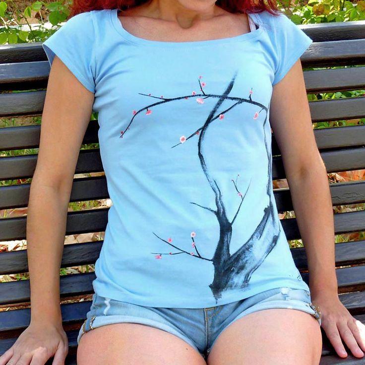 ...pero ahora para verano, había que hacer algo más... alegre. Con más color. #camisetas #tshirts www.artaliquam.com