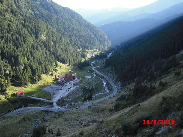 Transfagarasan: drumul care demonstraza ca natura si mana omului fac minuni impreuna