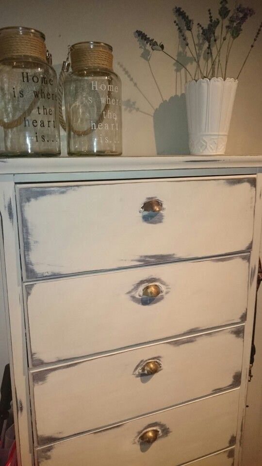 Chalkpaintmania, Annie Sloan Old white,sanding and clear wax