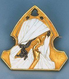 Lalique Art Nouveau Enamel Brooch, c.1890, 4.7cm high, signed Lalique