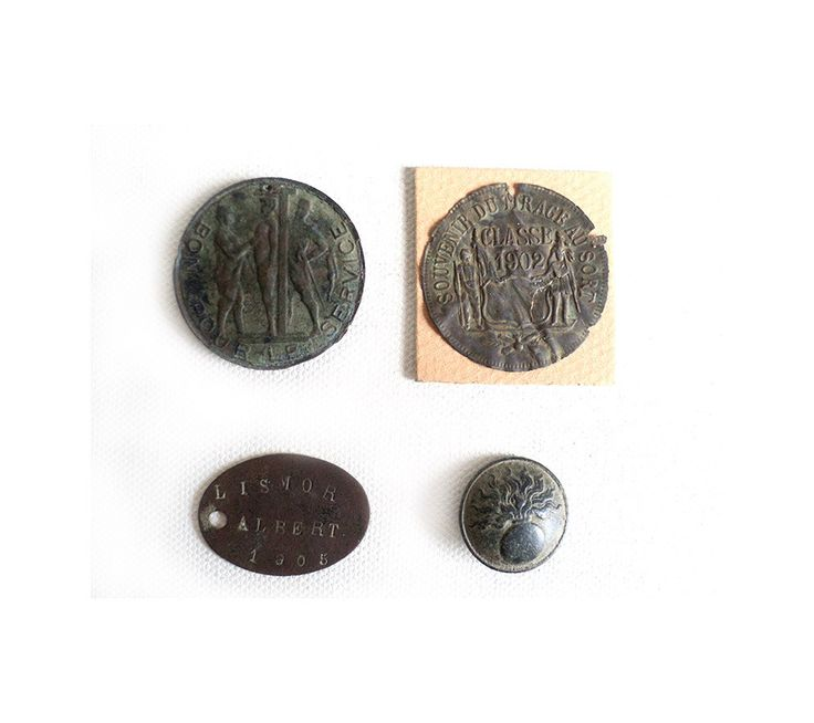 Job Lot WWI, French Military Service, Dog Tag, Personal Army Badge, Military Jacket Button, Army Service Token, Memorabilia, Millitaria