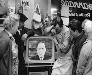 Historia de la televisión en España. Nos centraremos en el apartado 4, la expansión de la televisión en los años 60.