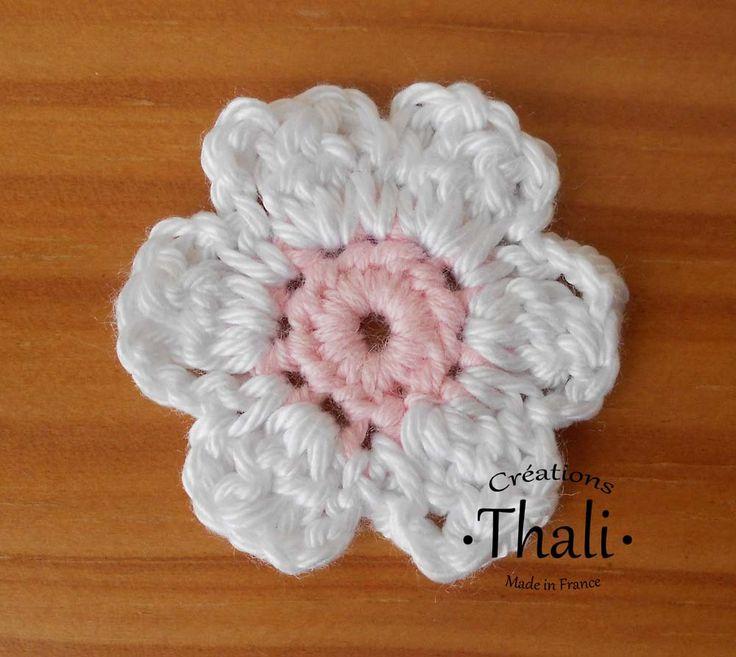 comment assembler des fleurs au crochet