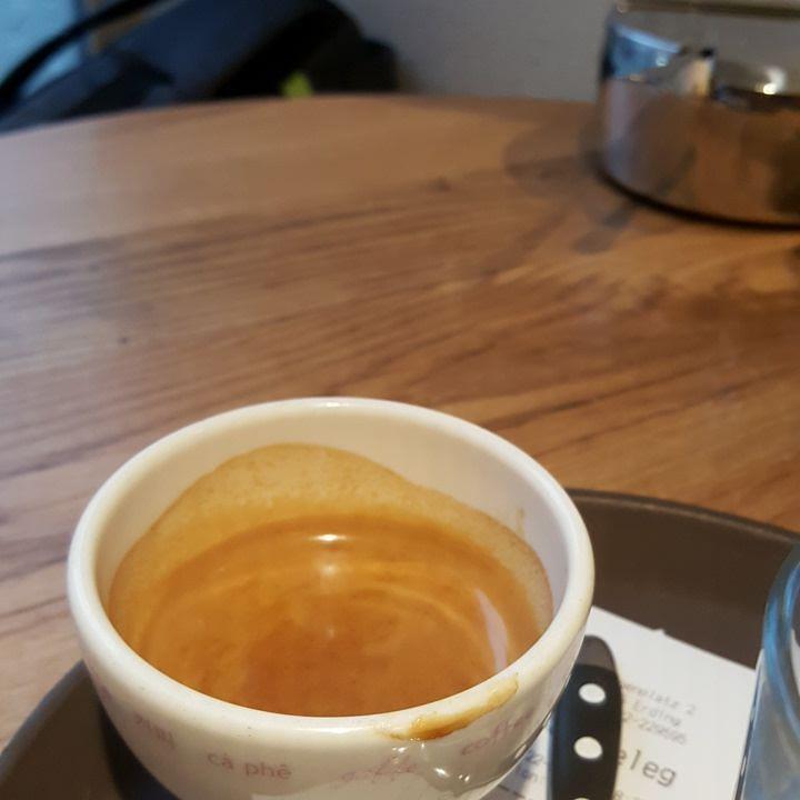 With @anyu_pu :) #coffee #erding #chilling # rain #peoplewatching #forgotmyartstuff :/