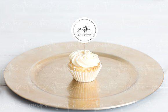 Download Cupcake Dessert Mockup Mockup Psd Desserts Menu Mockup Free Psd