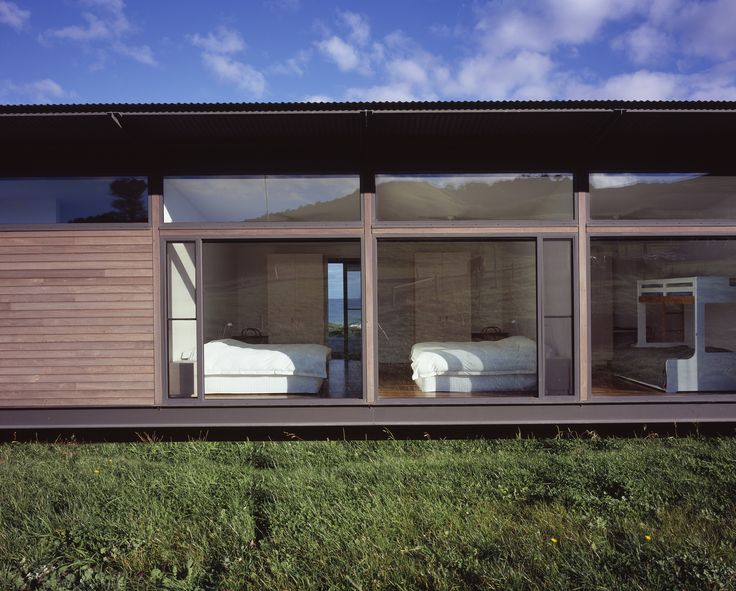 Waterfront Residence Located in the Seashore : Home Exterior Design Among Wooden Also Glass Wall Decoration Ideas Decorated With Green Landscaping Design Ideas Inspiration To Your House