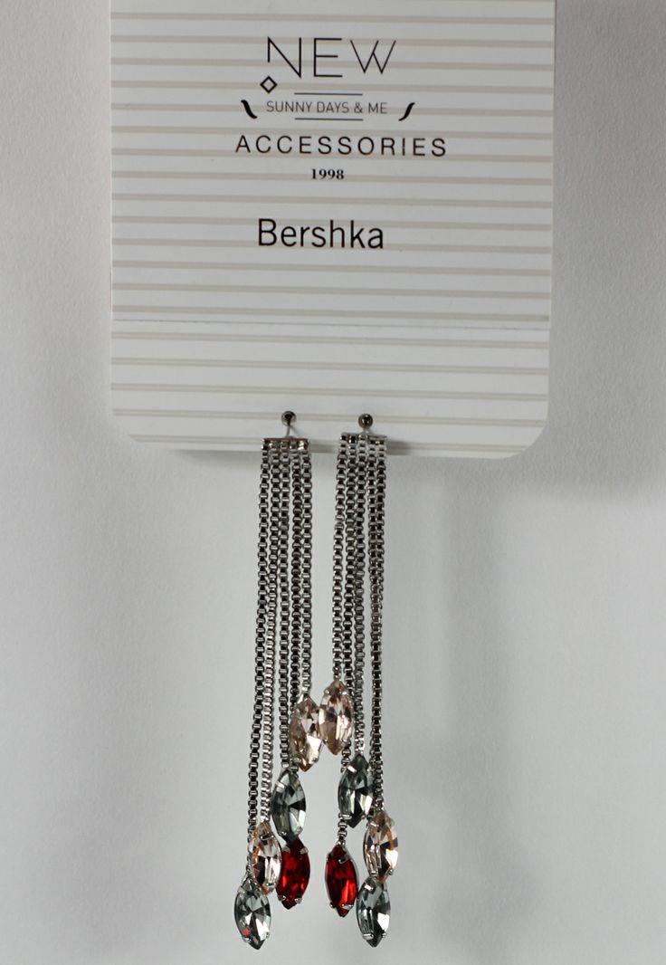 Cercei Bershka Tied Silver - doar 14,90 lei. Cumpara acum!
