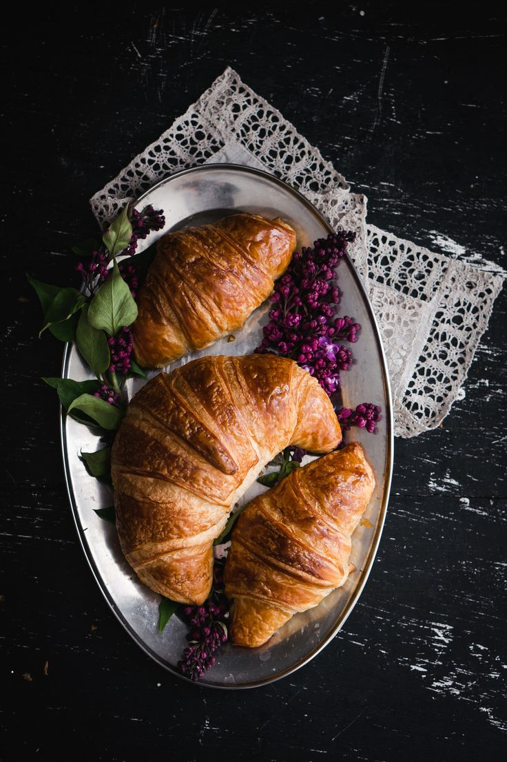 Good morning. Liliac and croissant