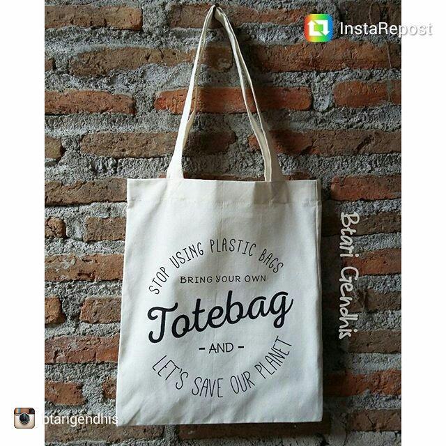 repost via @instarepost20 from @btarigendhis Stop using plastic bags... tagline spt ini bisa juga dijadikan tema di souvenir pernikahan.. yang pasti tas nya bisa dipake sama penerimanya... Ukuran : 28cmx35cm, sablon 1 warna dan ga harus hitam, ukuran bisa custom, desain boleh juga bawa sendiri Tanya2 dan order : Wa : 081390989077 #weddingsouvenir #souvenirpernikahan #souvenirnikah #souvenirnikahtas #souvenirtasblacu #tasblacu #weddingfavors #instarepost20