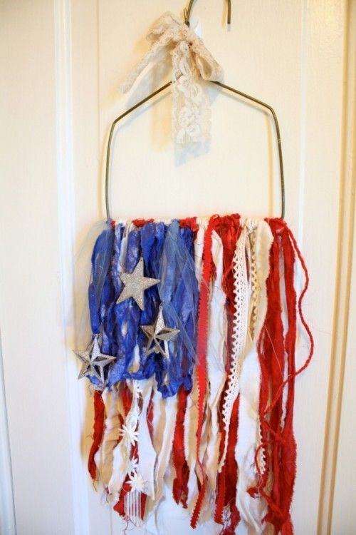 4th of July may have passed but you can display this gorgeous piece all year long! Patriotic Fabric Dyeing with Clearsnap Spritzers - ClearSnap Blog http://buff.ly/1mzjWHj