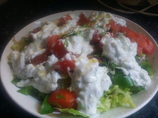 Mixed salad with tzatziki sauce