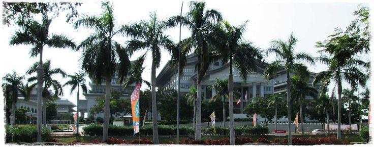 Tzu Chi Foundation Assembly - North Jakarta. 慈濟中心的禮堂,北部雅加達。