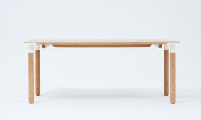 Baton dining table 1800