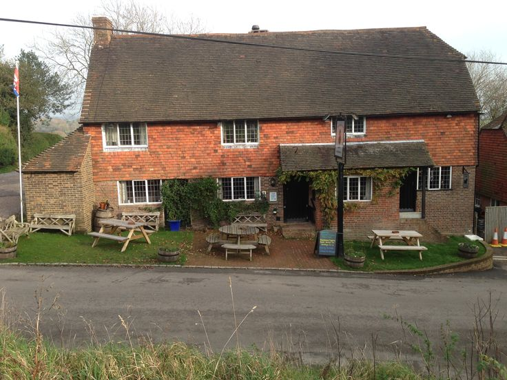 Proper country pub - just what you'd expect & more!