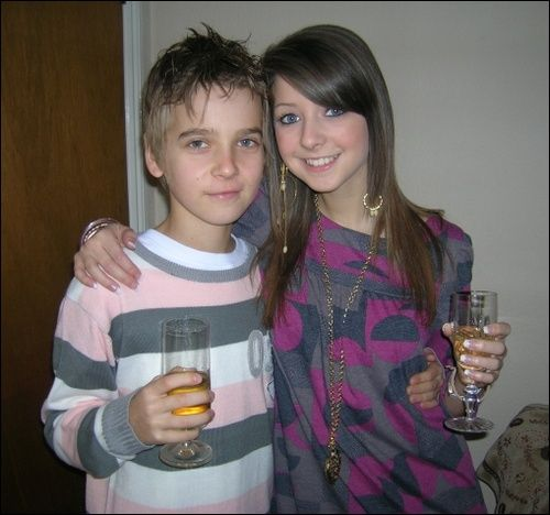 Thacterjoe and Zoella aka Joe and Zoe Sugg