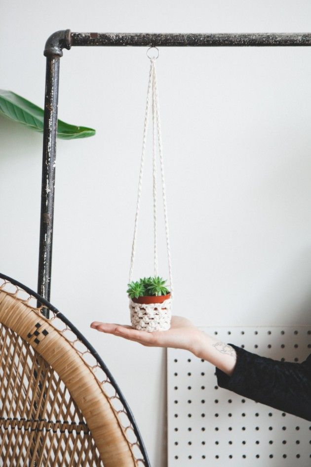 Crochet basics:  easy diy coffee snuggy & plant holder FREE PATTERN VIDEO