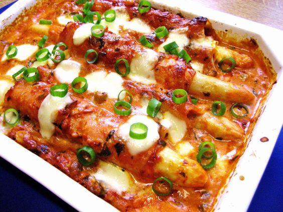 Das perfekte Spargel-Cannelloni im Schinkenmantel ...-Rezept mit einfacher Schritt-für-Schritt-Anleitung: Frischkäse (Buko) auf den ausgelegten Schinken…