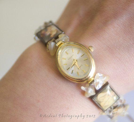 Hoi! Ik heb een geweldige listing op Etsy gevonden: https://www.etsy.com/nl/listing/109640624/kunst-geschiedenis-horloge-met-vintage