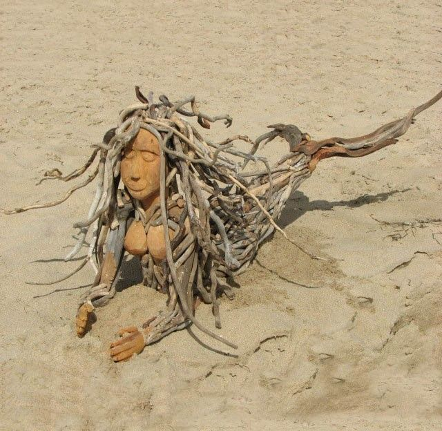driftwood mermaid sculpture 00
