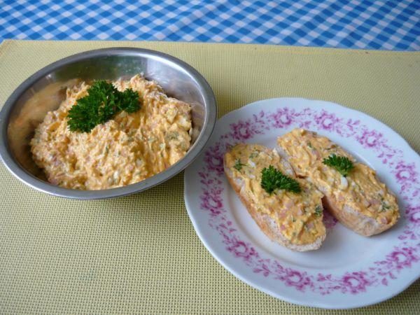 Pomazánka šunkovo-vajíčková - Recept pre každého kuchára, množstvo receptov pre pečenie a varenie. Recepty pre chutný život. Slovenské jedlá a medzinárodná kuchyňa