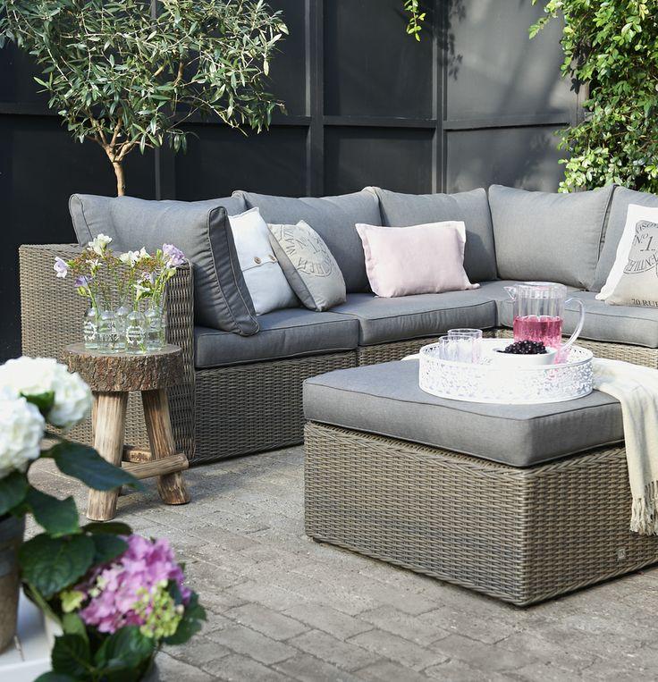 Loungset cordoba landelijk en toch modern mooi met romantische accessoires buiten loungen - Decoratie jardin terras ...