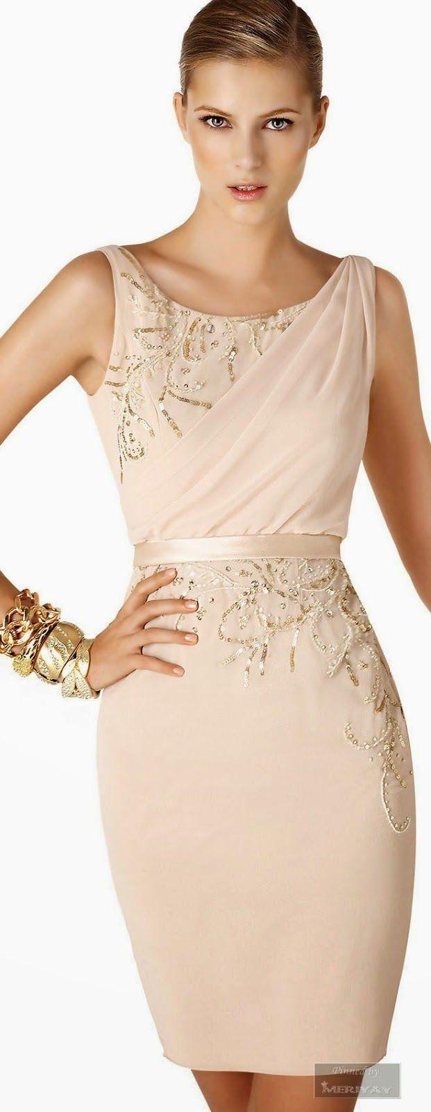 Women's fashion   Elegant sleeveless dress