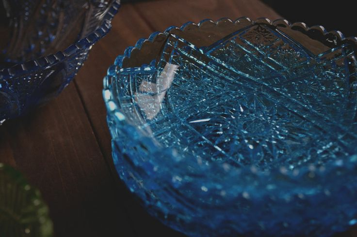 Retro Glass:昭和レトロなプレスガラスの食器たち。