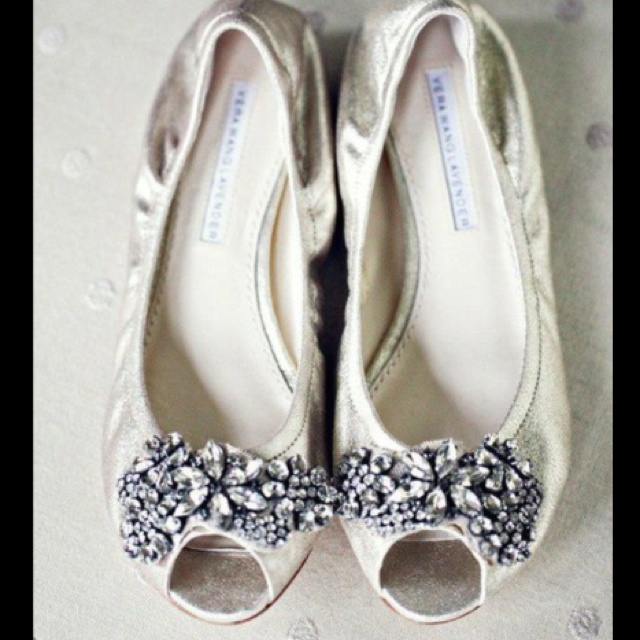 Gorgeous Flat Wedding Shoes For The Bride That Is Unfortunately Exactly Same Height As