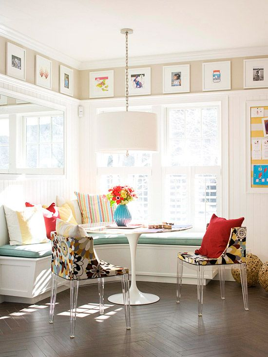 cute!Ideas, Dining Room, Blank Wall, Benches, Breakfast Nooks, Windows Seats, Kitchens Nooks, Corner Bench, Kitchens Cabinets