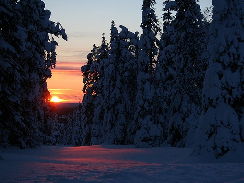 Sunrise and at the same time sunset in Kirintövaara