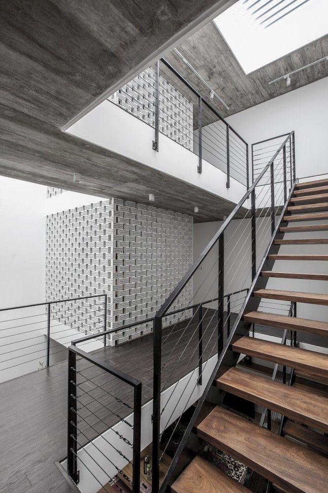 7x18 House / AHL architects associates