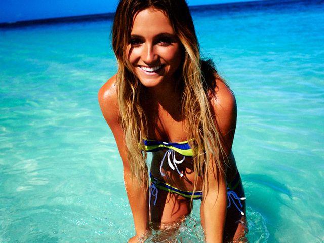 alana blanchard   Alana Blanchard: La bella surfista reina de las olas