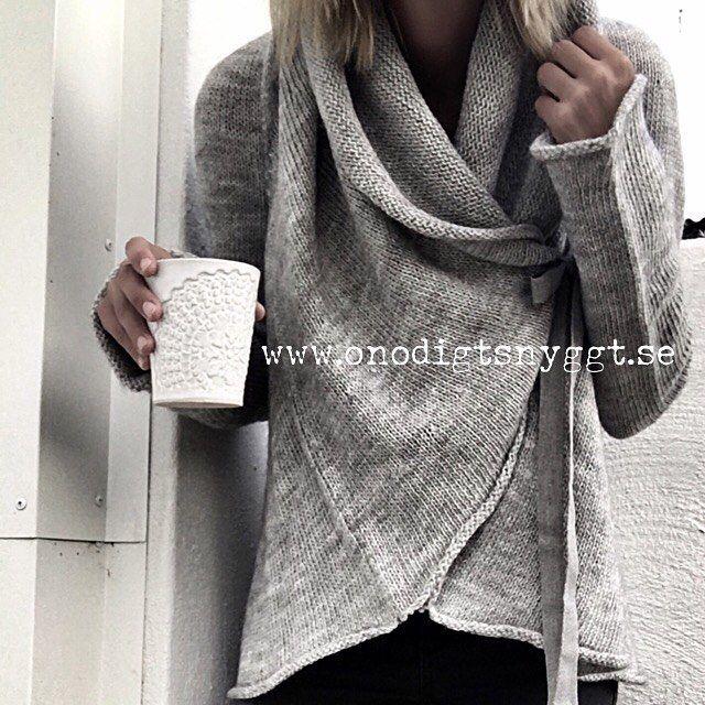 Roma Cardigan från Sixtydays ♡ Perfekt för lite kyliga sensommarmorgnar.  Finns i webshopen nu #onödigtsnyggt #webshop #sixtydays [ photo @hundrafyrtioettan ]