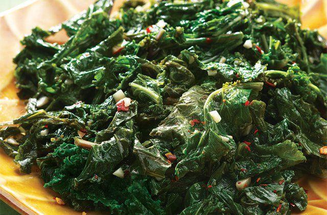 Sautéed kale recipe (gluten free) | Nourish magazine Australia