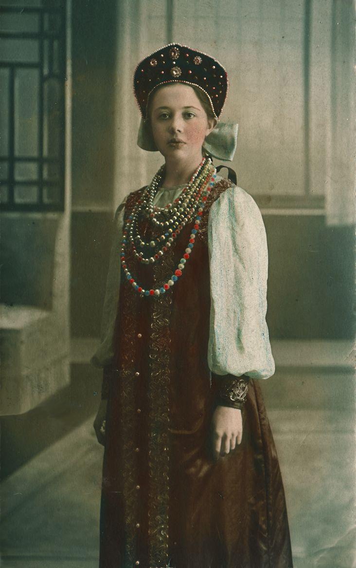 Girl in a Russian traditional costume. Old postcard, 1913. #Russian_costume #old_photograph #kokoshnik
